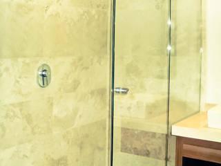 Puertas templadas para baño / Central Park Interlomas Alutek Mexico BañosBañeras y duchas Vidrio Transparente