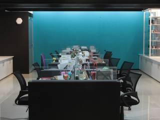 Oficinas BH Trade México Estudios y despachos modernos de emARTquitectura Arte y Diseño Moderno