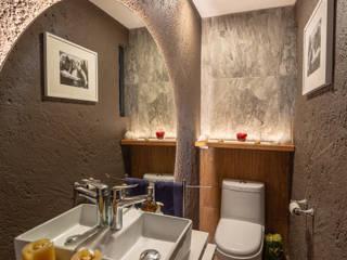 emARTquitectura Arte y Diseño 地中海スタイルの お風呂・バスルーム