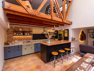 emARTquitectura Arte y Diseño 地中海デザインの キッチン