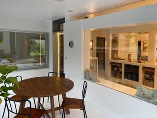 Rehabilitación de vivienda en Valsequillo Balcones y terrazas de estilo moderno de Disens Arquitectos Moderno