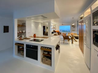 Rehabilitación de vivienda en Valsequillo Salones de estilo moderno de Disens Arquitectos Moderno