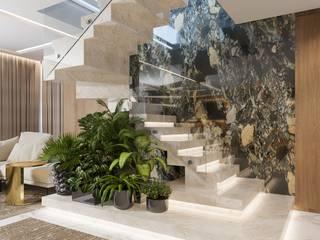 Camila Pimenta | Arquitetura + Interiores Escaleras Mármol Blanco