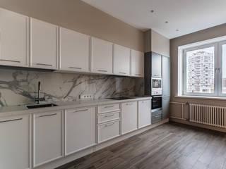 Трехкомнатная квартира 114 м² для семьи с ребенком Кухня в скандинавском стиле от Бюро интерьеров ICON Скандинавский