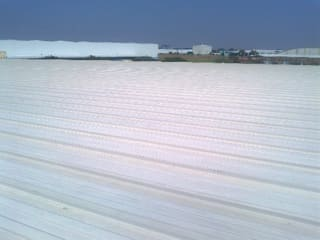 GRUPO MEVA CONSTRUCCION, S.A DE C.V. Roof terrace Metal White