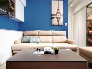 你你空間設計 Soggiorno eclettico Blu