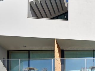 Rumah Modern Oleh Atelier d'Arquitetura Lopes da Costa Modern