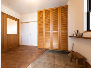 府中八幡の家 カントリースタイルの 玄関&廊下&階段 の 株式会社かんくう建築デザイン カントリー