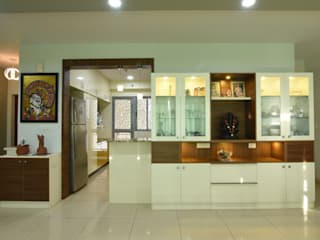 Modern Corridor, Hallway and Staircase by Magnon India Modern