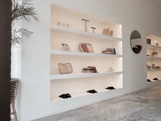 Mokko Espaces commerciaux minimalistes Béton Blanc