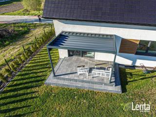 Lenta Minimalist balcony, veranda & terrace
