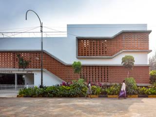 INSIDE OUT HOUSE Minimalist houses by Gaurav Roy Choudhury Architects Minimalist