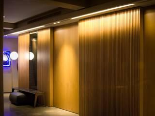 Proyecto de Iluminación 998 de LUMSTOCK SRL Moderno