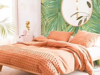 Дизайнерские обои для стен Respace Тайные тропы, коллекция Цветы Respace - дизайнерские обои для стен Спальня в скандинавском стиле