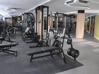 Suelo de PVC y caucho en gimnasio de Málaga Gimnasios domésticos de estilo moderno de Gala decoración Moderno
