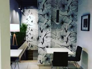 Ristorante Aotsuki Negozi & Locali commerciali in stile eclettico di Di Gennaro Illuminazione e Impianti Elettrici Eclettico