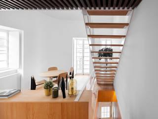 Salas de jantar minimalistas por PAULO MARTINS ARQ&DESIGN Minimalista