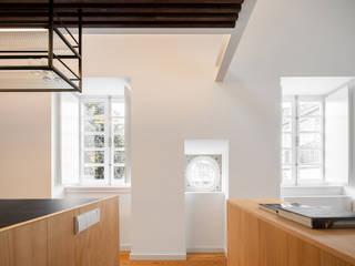 Cozinhas minimalistas por PAULO MARTINS ARQ&DESIGN Minimalista