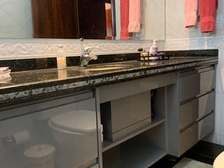 Modenizar banheiros Banheiros clássicos por NEUSA MORO Clássico