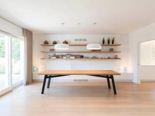 Modern dining room by studio di architettura Antonio Giummarra Modern