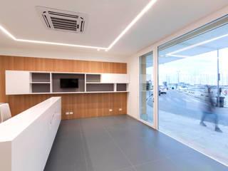 Minimalist office buildings by studio di architettura Antonio Giummarra Minimalist