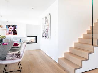 Aus zwei Wohnungen mach eine Moderne Wohnzimmer von Raumfabrik - Architektur. Planung. Handwerk Modern