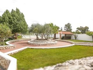 Quinta T4 no meio da natureza, Ponte de Sor Jardins modernos por PortugalRur Moderno