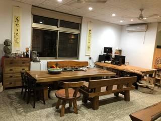 家俱、傢飾、工藝、文創品設計開發場域,鑑賞、品味、交流。 游戲翰墨 辦公空間與店舖 實木 Wood effect