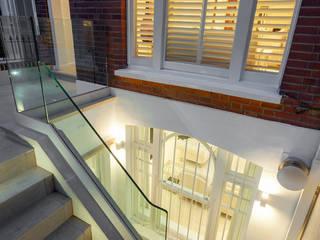 coco channel style Eclectic style balcony, veranda & terrace by Debbie Flevotomou Architects Ltd. Eclectic