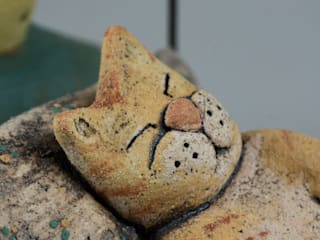 Too many things to do... La Grenouille Ceramiche ArtworkSculptures Ceramic Green