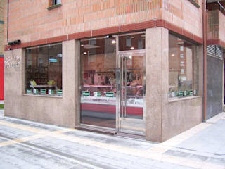 by ESTUDIO FRANCIA INTERIORISMO Modern