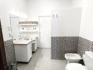 Classic style bathroom by estudio nou Classic