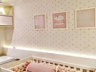 Modern nursery/kids room by Adriana Baccari Projetos de Interiores Modern