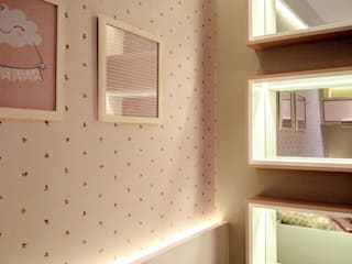 by Adriana Baccari Projetos de Interiores Modern