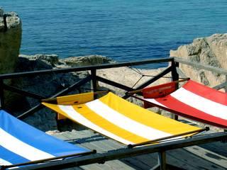 Endlich Sommer! CrazyChair Hängematten bringen Farbe ins Leben. von CrazyChair Hängematten Modern