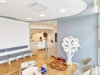 Praxis für Kinder- und Jugendmedizin Moderne Praxen von Akustikbau-Niederrhein GmbH & Co. KG Modern