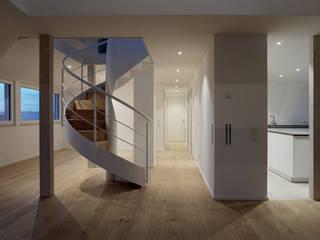 Dachgeschossausbau von schott architekten Modern