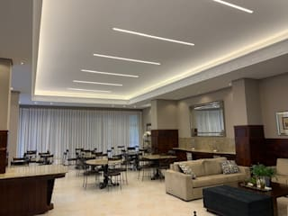 Hall e Salão de Festas Clássico - Iluminação por NEUSA MORO Clássico