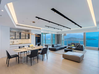 A Modern-Classic Design with a 720° Sea View - Mayfair By The Sea, Hong Kong Classic style dining room by Grande Interior Design Classic
