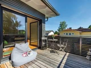 Vitalhaus Starnberg Moderner Balkon, Veranda & Terrasse von Regnauer Hausbau Modern