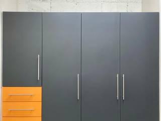 La Central Cocinas Integrales S.A de C.V Dressing roomStorage Grey