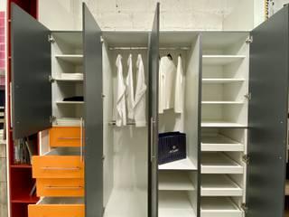 La Central Cocinas Integrales S.A de C.V Dressing roomStorage Orange