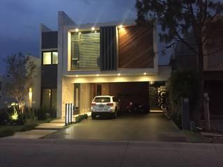 Modern houses by arketipo-taller de arquitectura Modern