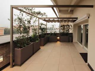 Modern balcony, veranda & terrace by Unosider s.r.l. Modern