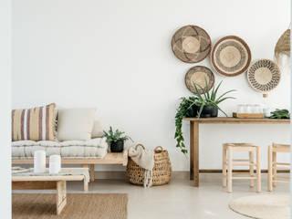 Arkstudio Rustic style living room