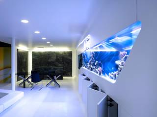 Haus F Najjar - Najjar Architekten Moderne Wohnzimmer Keramik Weiß