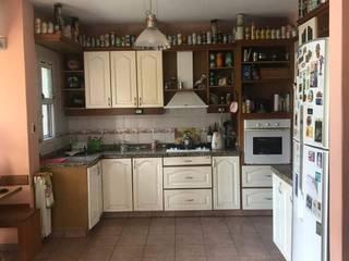 Cocina A • de Crea Interiorismo y Arquitectura