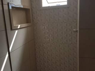 Retirada e instalação de revestimentos e revestimento 3D, pisos e nicho PD Reforme&Decore Banheiros modernos Mármore Bege