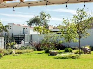 Boceto Arquitectos Paisajistas Jardines de estilo moderno