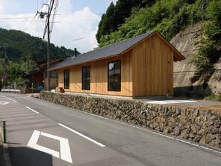 京北の家/house of keihoku モダンな 家 の STUDIO RAKKORA ARCHITECTS モダン